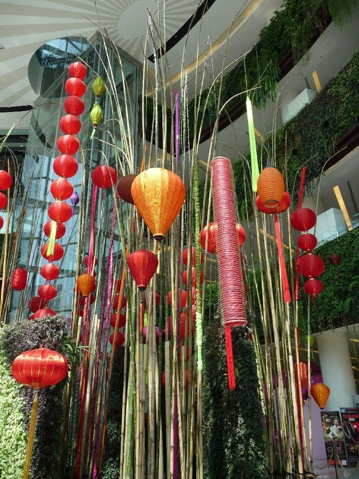 Decor saint valentin centre commercial de bangkok for Decoration porte st valentin